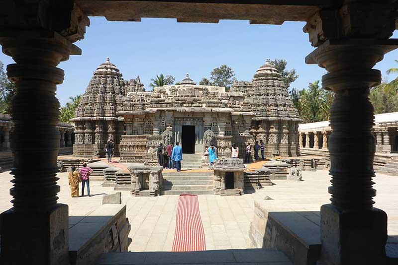 Tempelkomplex von Srineri