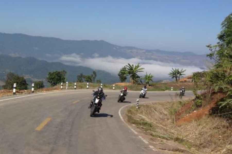 Bergauffahrt bei der Nordthailand Tour
