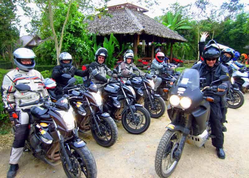 Motorradgruppe auf Tour in Nordthailand