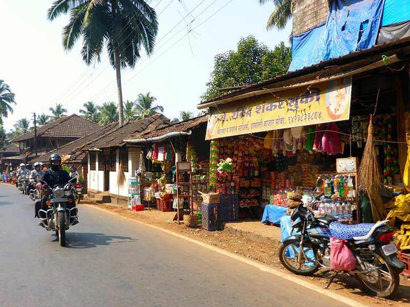 Straßenladen in der Nähe der Grenze zu Goa Belgaum
